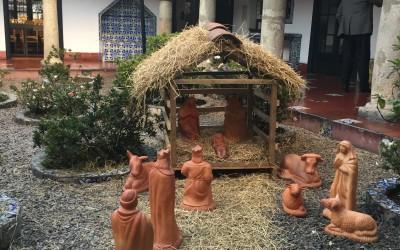 Pesebres, Juego y altar